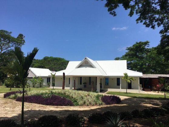 Best resort to stay Espiritu Santo Vanuatu