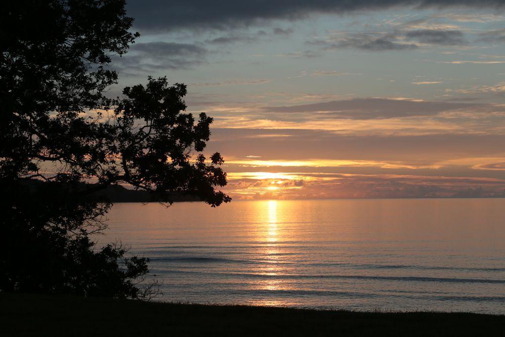 Unwind and relax at a sunset - top accommodation Espiritu Santo Vanuatu